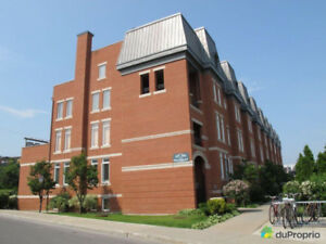 Modern 2 Bedroom Condo in Mile End / Plateau