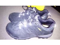 De Walt Safety Shoes Size 8 / 42