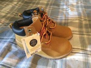 Boys Size 11 Workboots (4-6 year old)