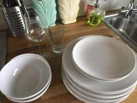 Set of 8 dishes and glasses