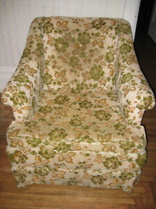 Living Room Chair (Floral)