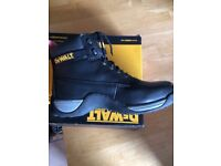 WORK BOOTS - INDUSTRIAL DeWALT BOOTS BLACK UK SIZE 10 - WORN ONCE FOR AN HOUR