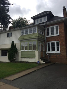 4 Bedroom Apartment located on the Main Street of Alliston