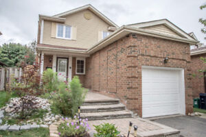 Nice detached house in Steeles and Brimley