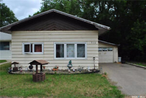 1317 Connaught Avenue, Moose Jaw, SK.