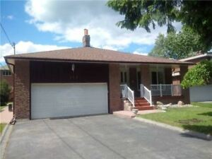 Spacious Home for rent in High Demand Oak Ridges LakeWilcox area