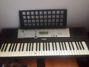 Yamaha PSR-E203 electric keyboard