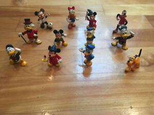 Lot de 11 figurines Disney à vendre!