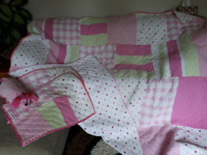 Twin/Full bedding set