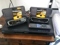3D Blu Ray Player + 2 pairs of 3D glasses + 2 spare batteries