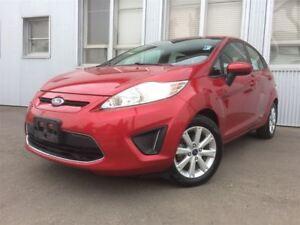 2012 Ford Fiesta SE, HEATED SEATS , BLUETOOTH. SAT RADIO.