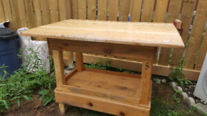 Work/Tool Bench with Vice