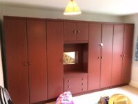 4 x wardrobes in good condition but mirror broken (all dismantled)