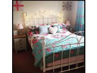 Complete Matching Bedroom Set (Duvet Cover, Pillow Covers, Bedspread, Curtains)