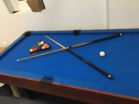 Table Top Pool Table , Balls and 2 Cues