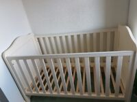 Cot/cot bed adjustable without mattress comes with changing unit