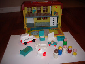 FISHER PRICE VINTAGE HOSPITAL W ACCESS
