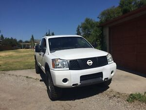 LIFTED! 2006 Nissan Titan! BRAND NEW 35 inch TIRES!