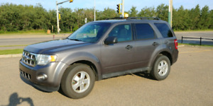 2011 Ford Escape XLT - Motivated!!