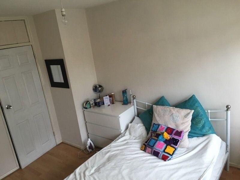 Lovely Double Room near Kennington Park-£650 pcm