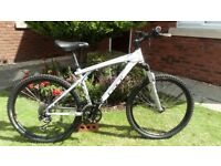 Desirable GT Avalanche 1.0 Bike Hydraulic Brakes.In super condition and a Great Ride.26 inch Wheels.