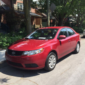 2010 Kia Forte Sedan 97km ORIGINAL OWNER CLEAN CARFAX Bluetooth