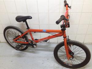 DK Cleveland BMX Bike w/ Front & Rear Brakes + Gyro MXB