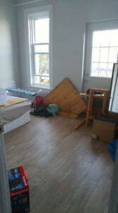 Room for Rent in 5 Bedroom Apartment -Close to UOttawa Campus