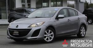 2011 Mazda MAZDA3 GS! AUTO! ALLOYS! SUNROOF!