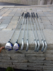 Golf Clubs, right handed.  Dunlop