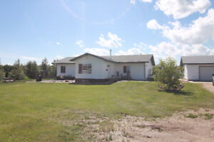 Bungalow on 2.47 Acres in Sturgeon County!