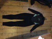 Ladies Xcel wetsuit size 14 3/2mm