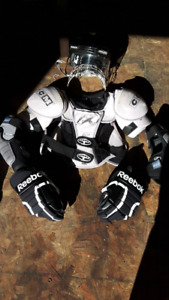 Full set of hockey gear Mens small