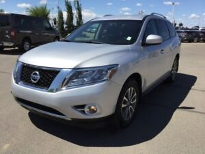 2014 Nissan Pathfinder SV AWD Accident Free,  Heated Seats,  3rd