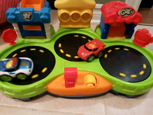 Car spinning toy