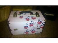 Shabby chic make up box
