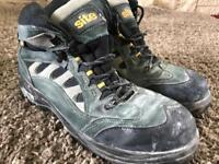 Men's Site size 11 steel toe capped boots. UK size 11
