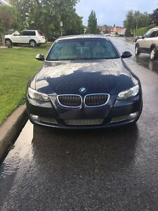 BMW 335i décapotable en excellente condition