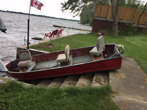 14 foot Aluminum boat for sale.