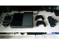 Xbox One 500GB + 12 games + 2 controllers
