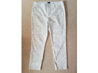 NYJD Ladies White Jeans size 14 (New/Unworn) from Hoopers of Torquay