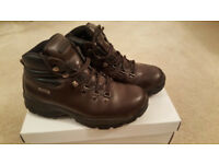 Hi tec waterproof leather Walking boots UK size 7