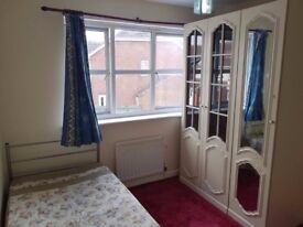Urgent Double Room for Rent £420 Per month in Greenwich Council