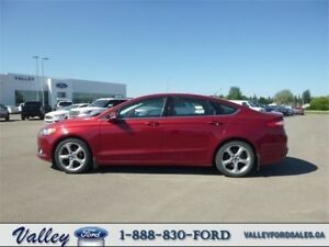 CLASSY, ECONOMICAL TRAVEL with NAV! 2013 Ford Fusion SE SEDAN
