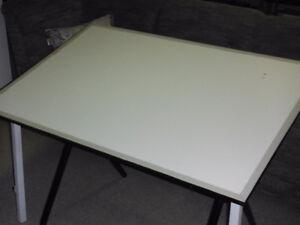 Table à dessin à vendre