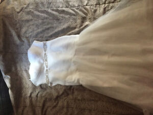 Size 16 fit and flare wedding gown