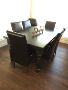True North solid pine 42x72 dining table, six leather chairs