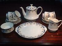 """Vintage 1950's 16-piece Paragon """"Coniston"""" tea service"""