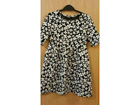 Asda black & white flowery dress 8 yrs