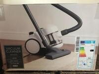 Vacuum cleaner bagless for sale, brand new